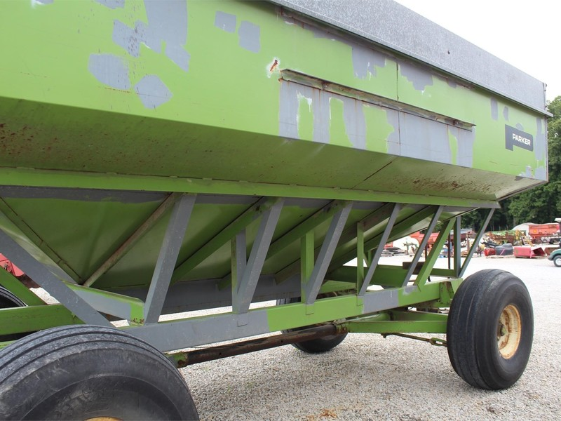 Parker 4000 Gravity Wagon