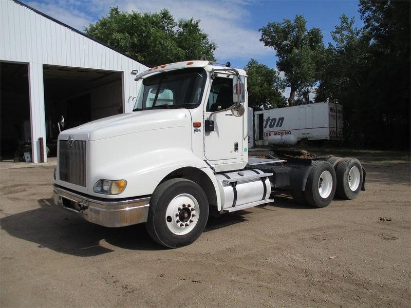 2005 International 9200i Semi Truck