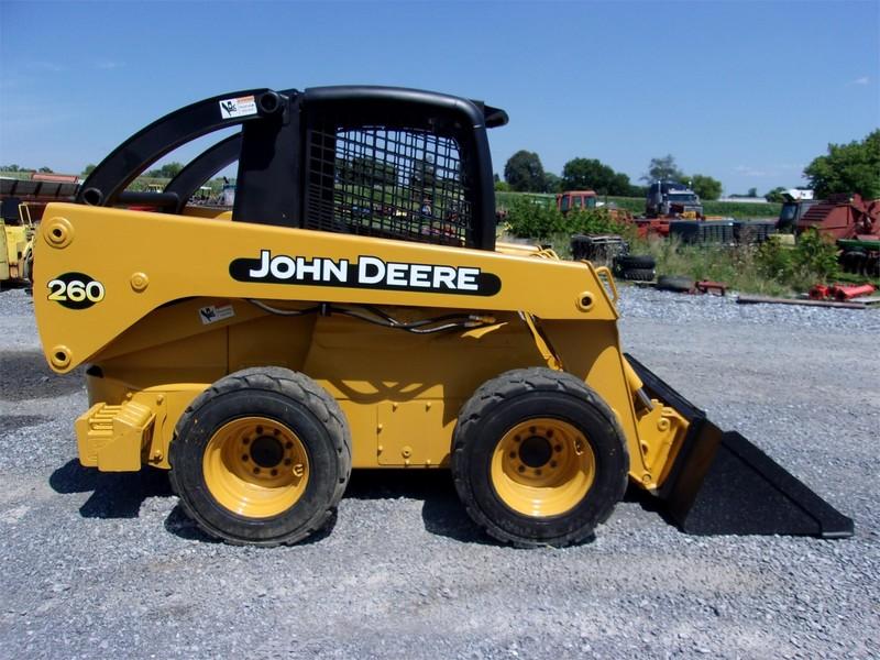 2001 Deere 260 Skid Steer