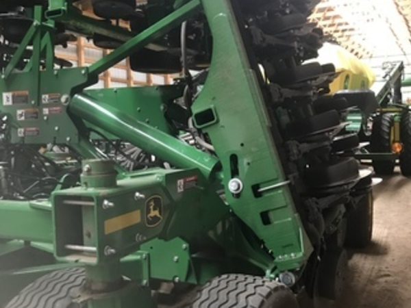 2018 John Deere 1890 Air Seeder