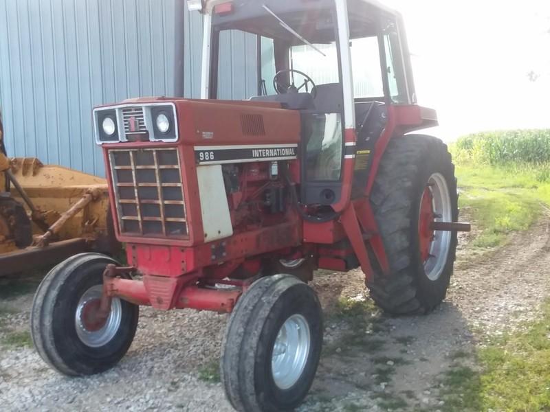 1982 International Harvester 986 Tractor