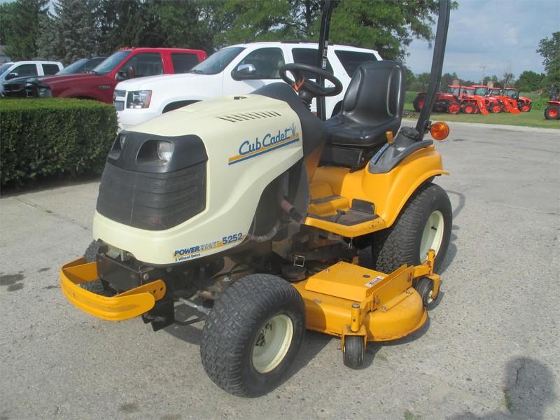2005 Cub Cadet 5252 Tractor
