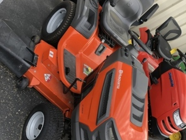 2015 Husqvarna GT48XLSI Lawn and Garden