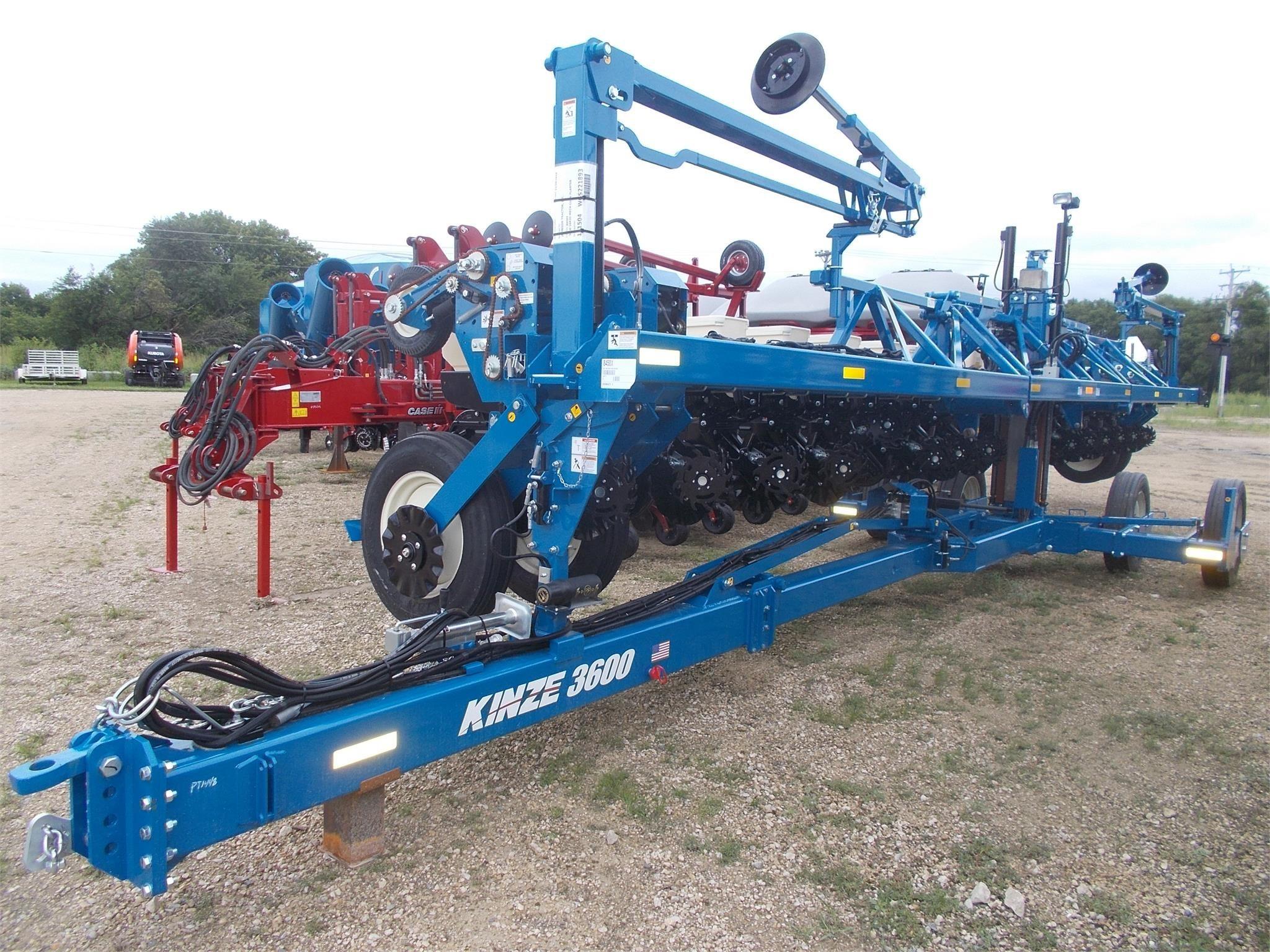2019 Kinze 3600 Planter