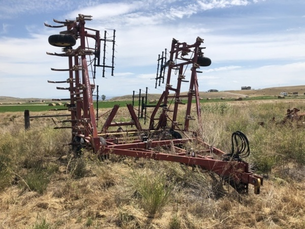Used International Harvester Chisel Plows for Sale