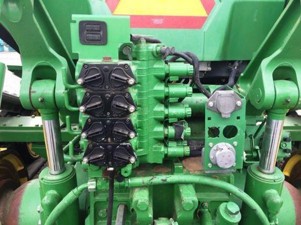 2003 John Deere 8520T Tractor