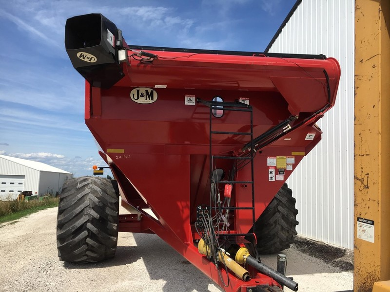 J&M 875-18 Grain Cart