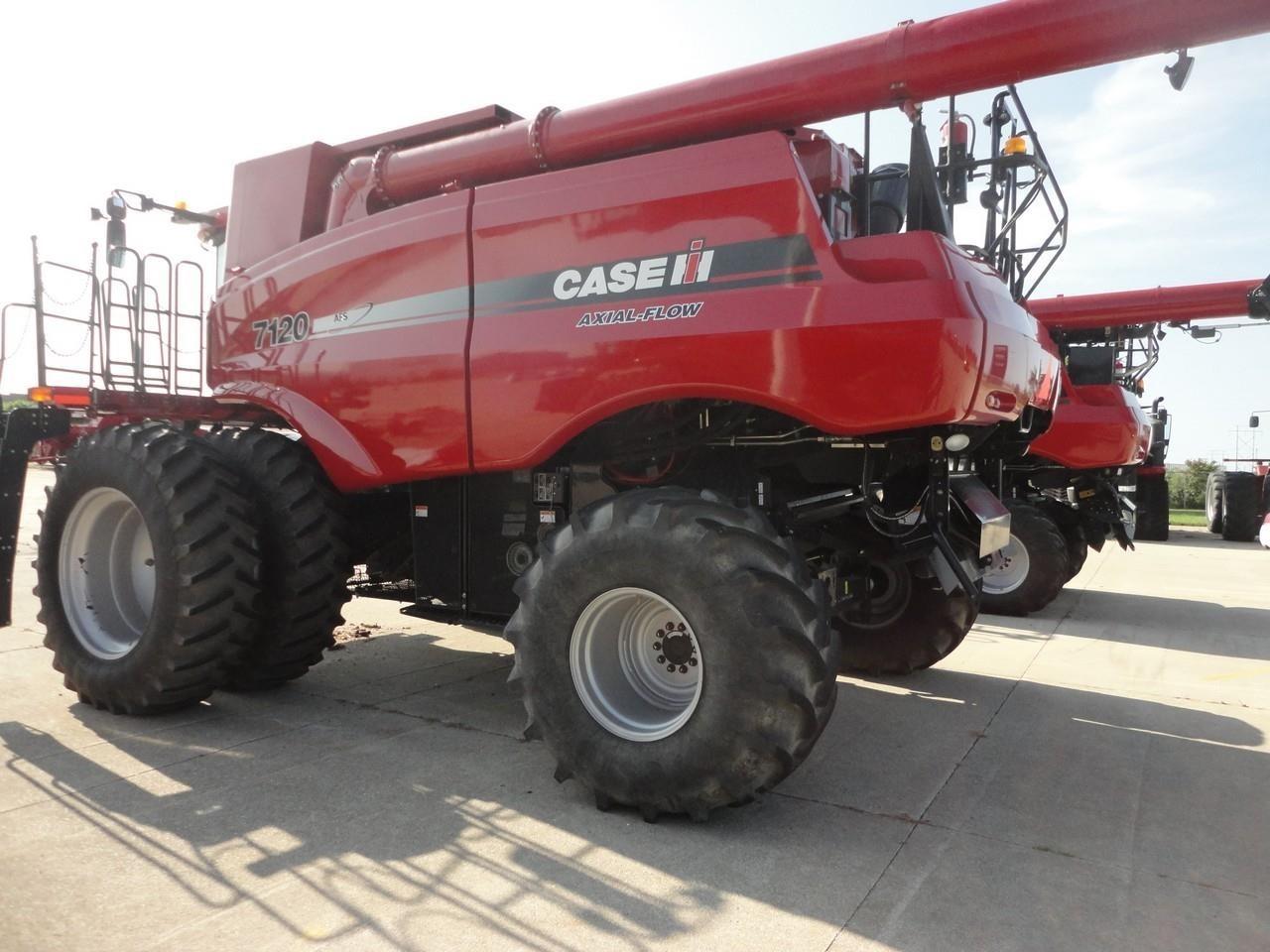 2012 Case IH 7120 Combine