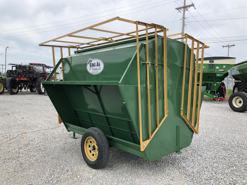 2019 King Ag Feed King 150 Feed Wagon