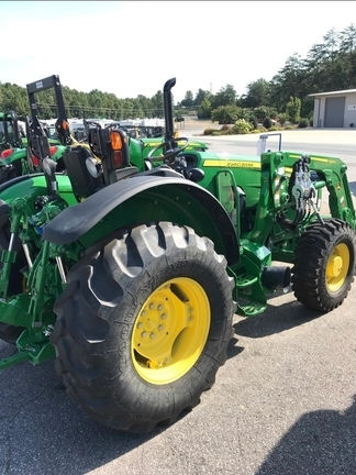 2017 John Deere 5090M Tractor