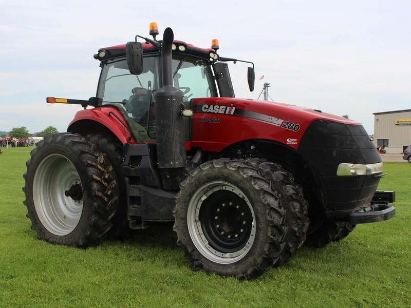 2015 Case IH Magnum 280 Tractor