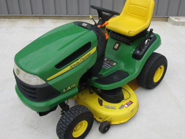 John Deere LA115 Lawn and Garden for Sale | Machinery Pete