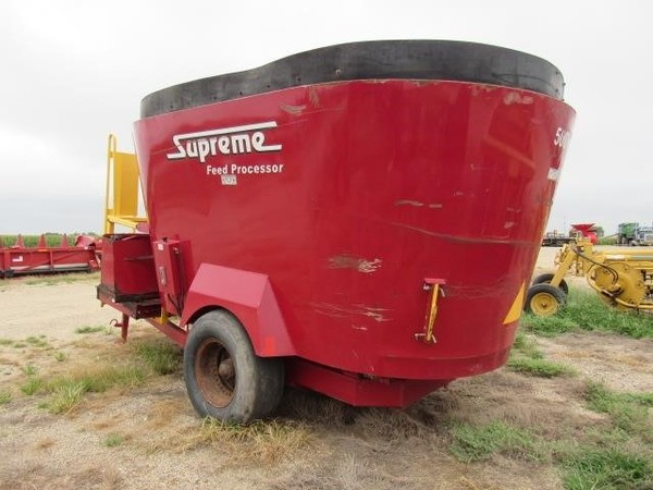 Supreme International 500T Grinders and Mixer