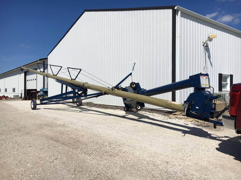Harvest International H1072 Augers and Conveyor
