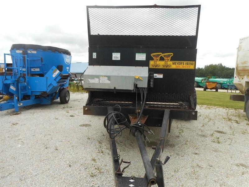 Meyers VB750 Manure Spreader