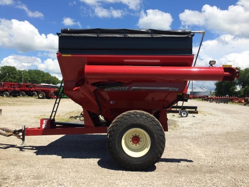2019 Brent 576 Grain Cart
