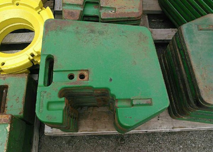 John Deere 100# Suitcase Weights Miscellaneous