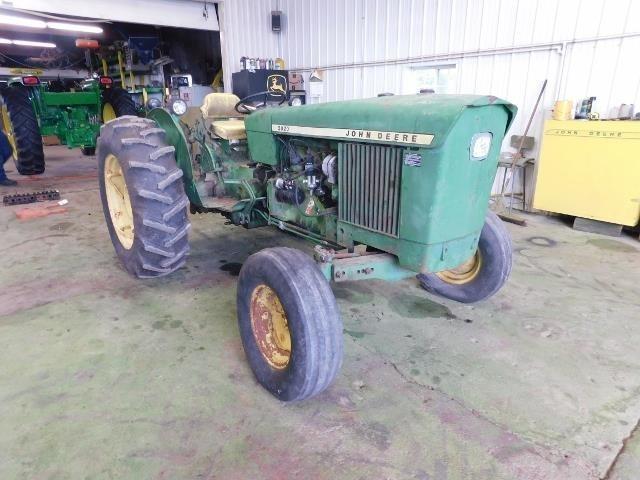 1969 John Deere 2020 Tractor