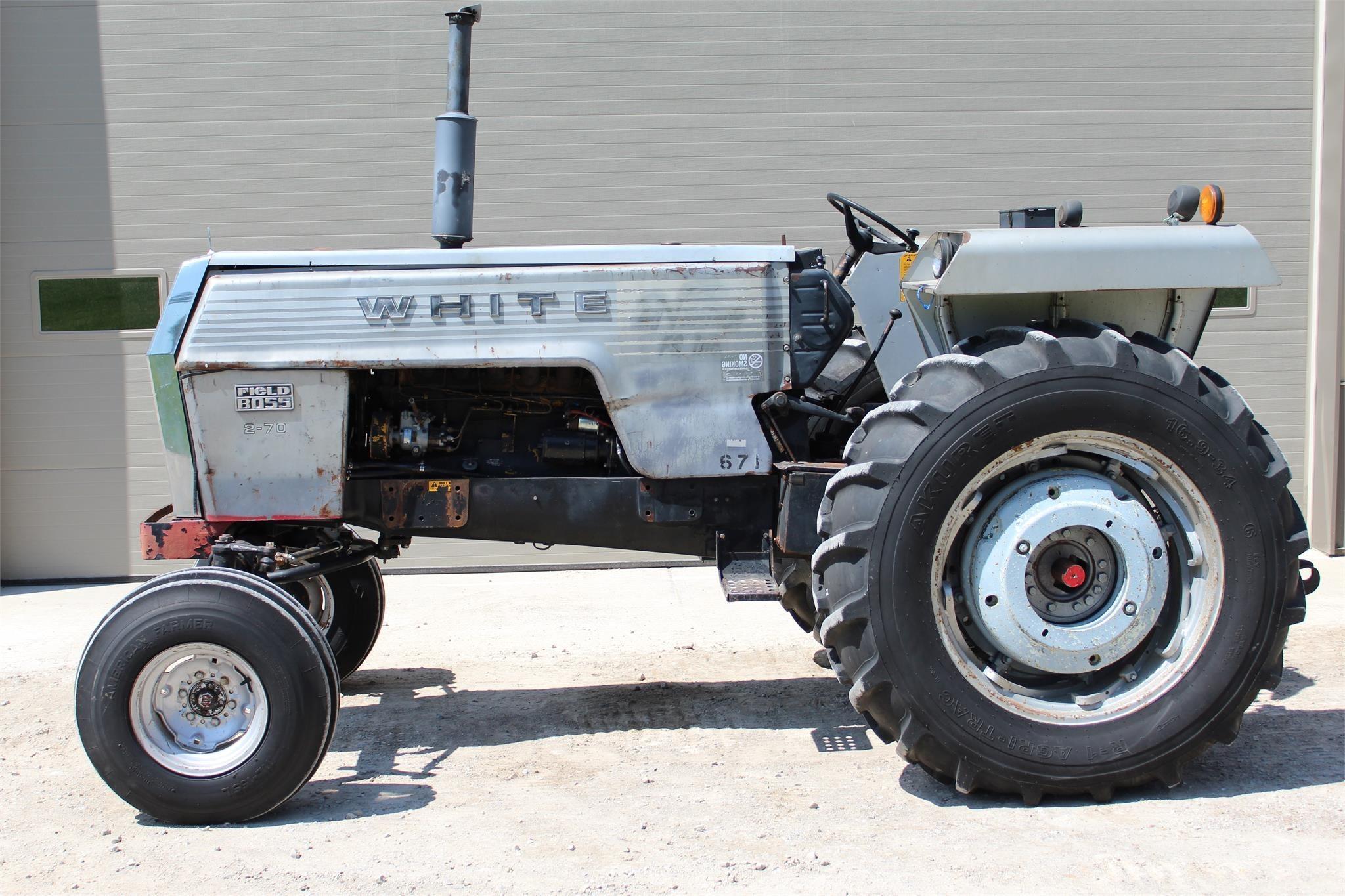 1976 White 2-70 Tractor
