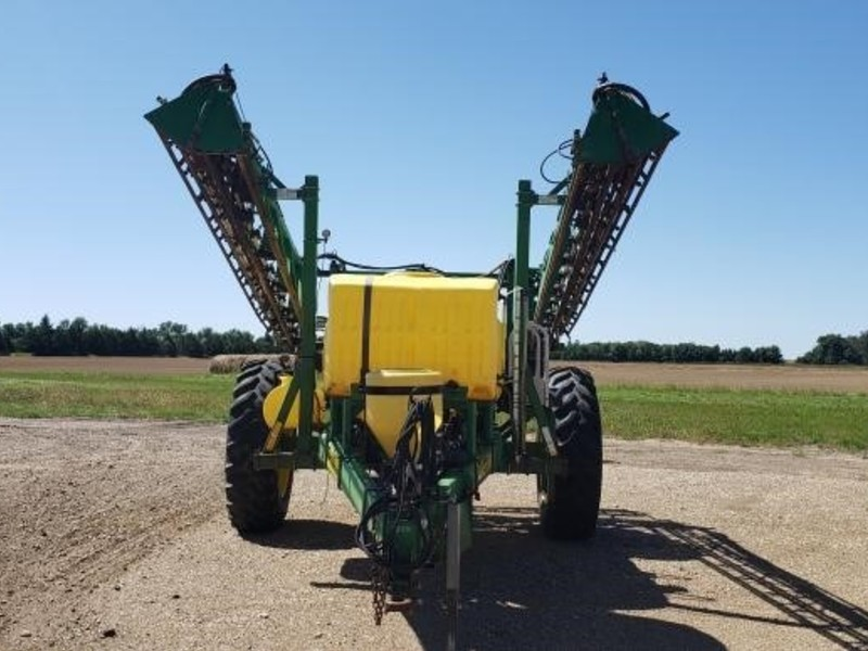 2004 Summers Manufacturing Ultimate Pull-Type Sprayer