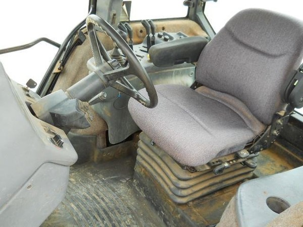 1997 New Holland 8870 Tractor