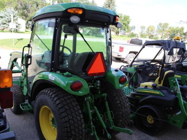 2018 John Deere 3039R Tractor