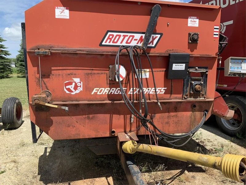Roto Mix 354-12 Grinders and Mixer