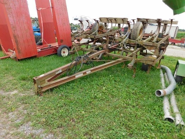 1974 Hiniker 1120 Field Cultivator