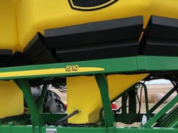2009 John Deere 1830/1910 Air Seeder