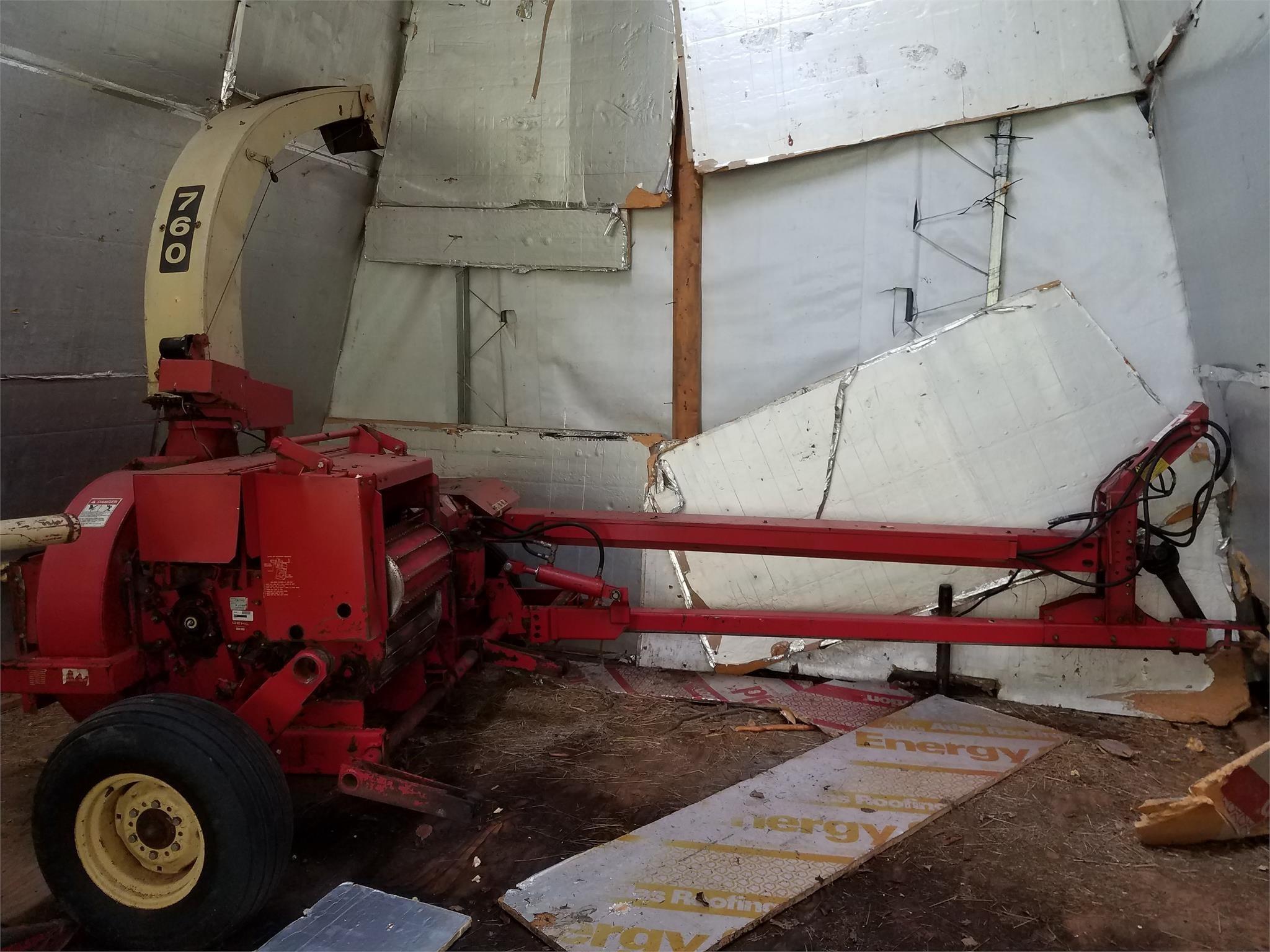 Gehl CB760 Pull-Type Forage Harvester