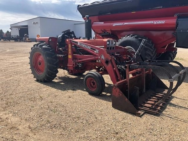 Used International Harvester Tractors 40-99 HP for Sale