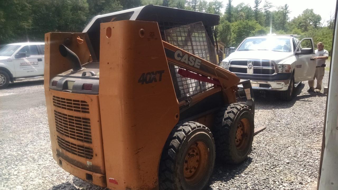 Case 40XT Skid Steer