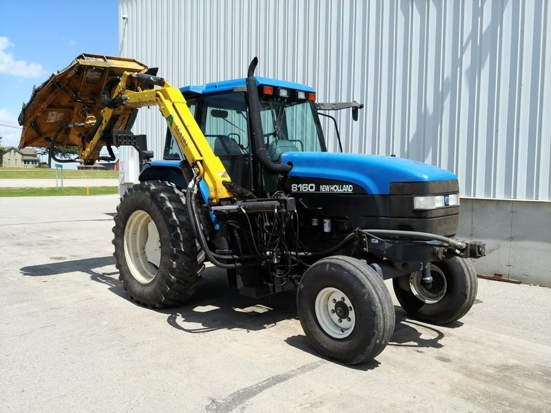 1999 Ford New Holland 8160 Tractor