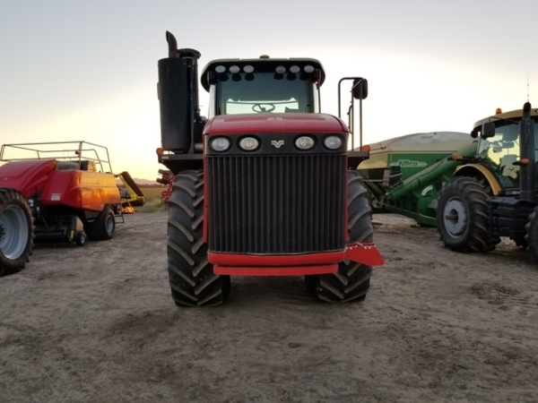 2011 Versatile 400 Tractor