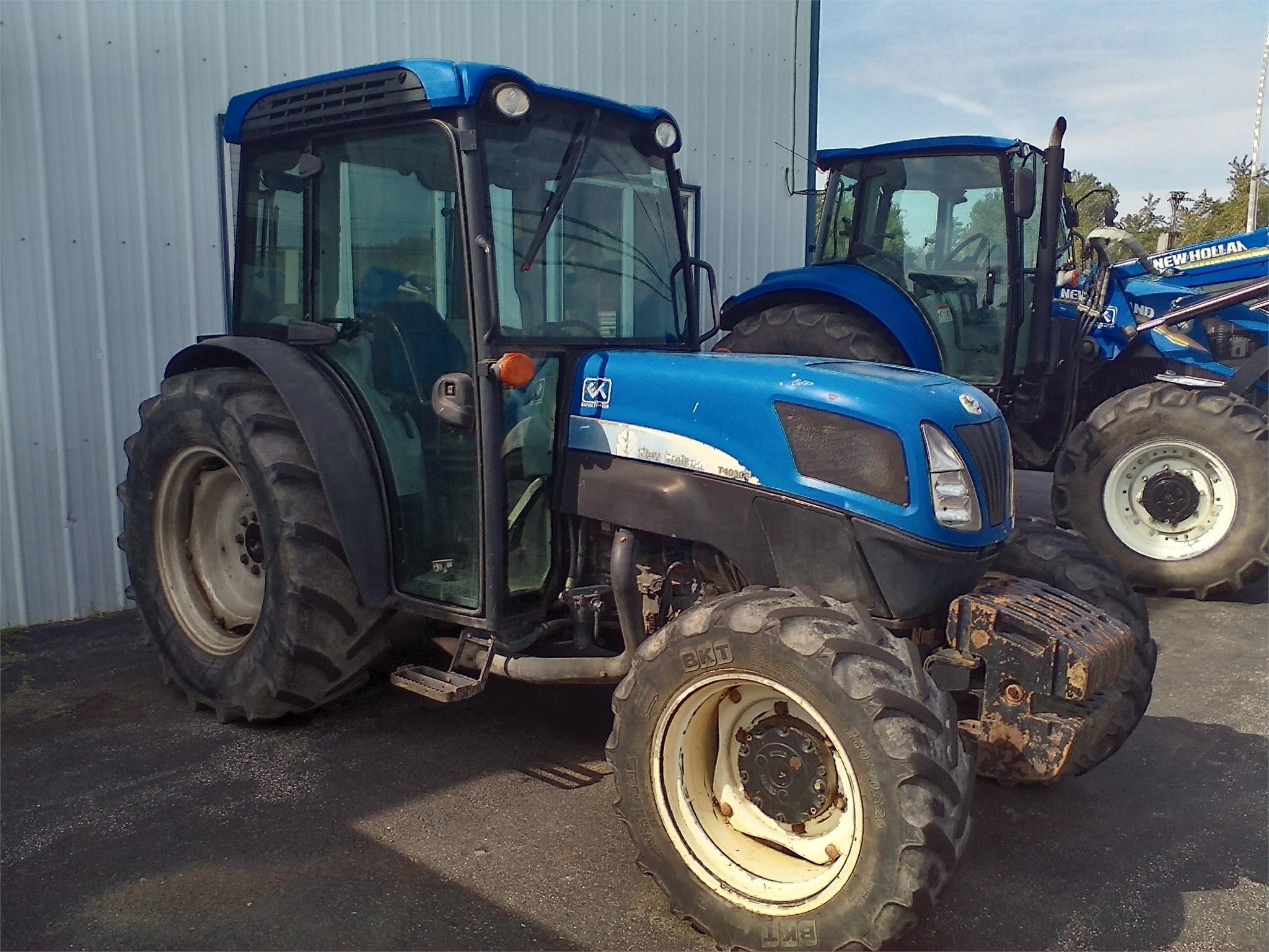 New Holland T4030F Tractor