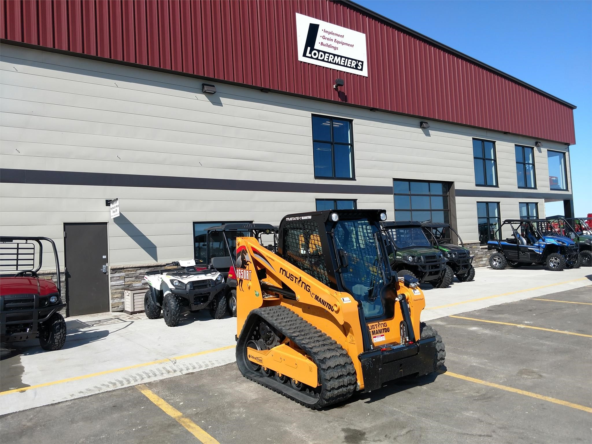 2019 Mustang 1650RT Skid Steer