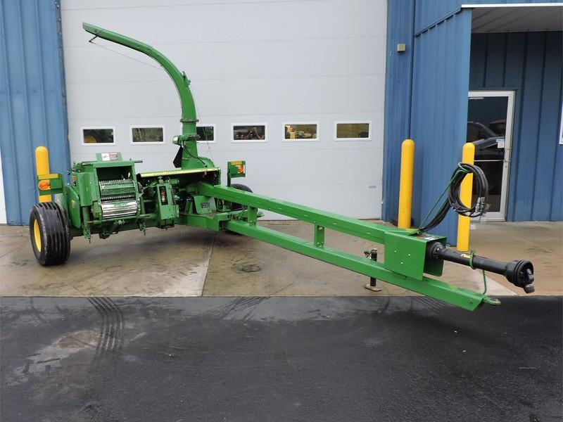 2011 John Deere 3955 Pull-Type Forage Harvester