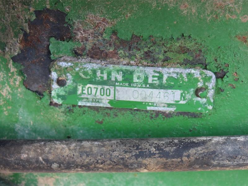 John Deere 700 Grinders and Mixer