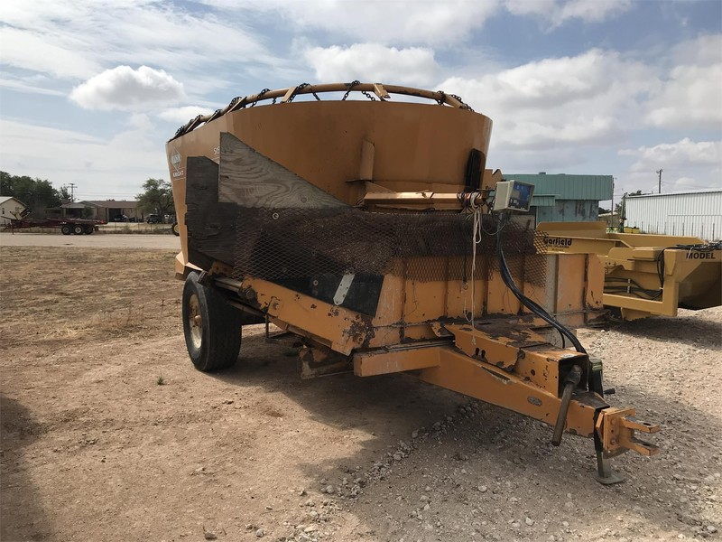 Kuhn Knight 5156 Grinders and Mixer