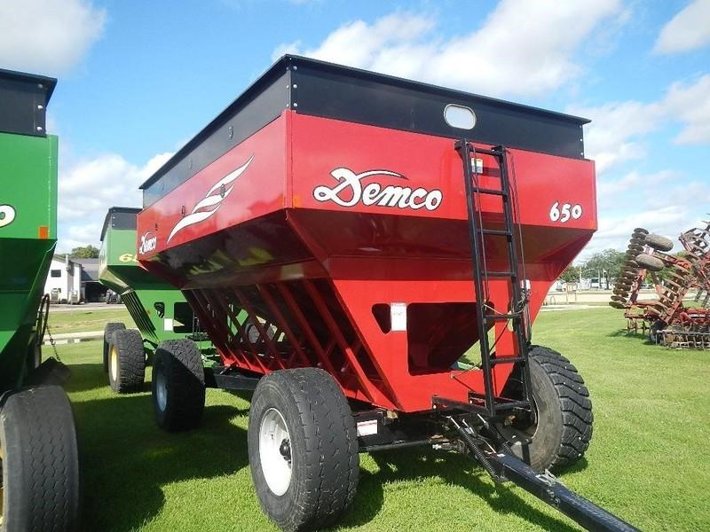 2014 Demco 650 Gravity Wagon