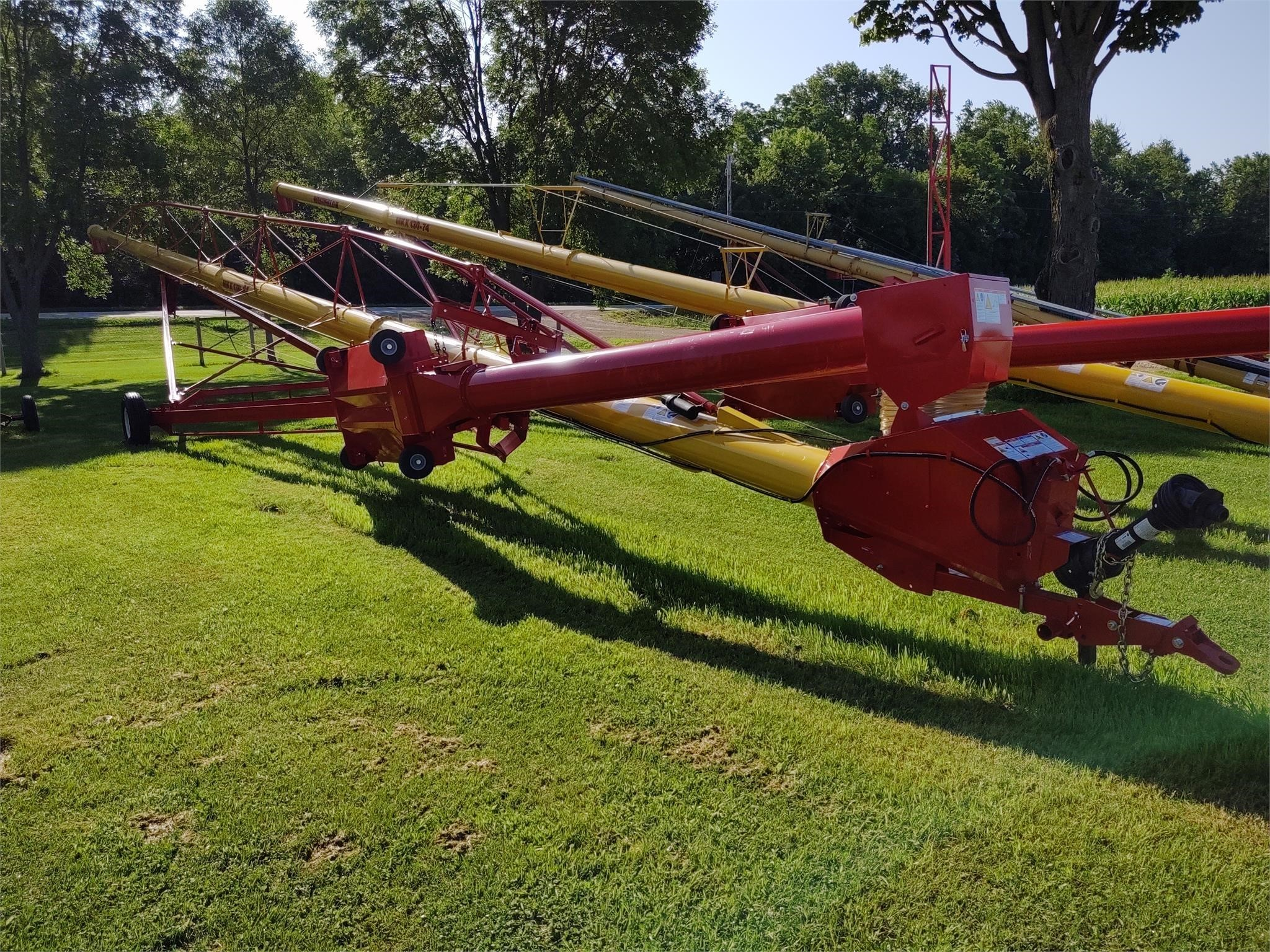 2020 Westfield MKX130-84 Augers and Conveyor