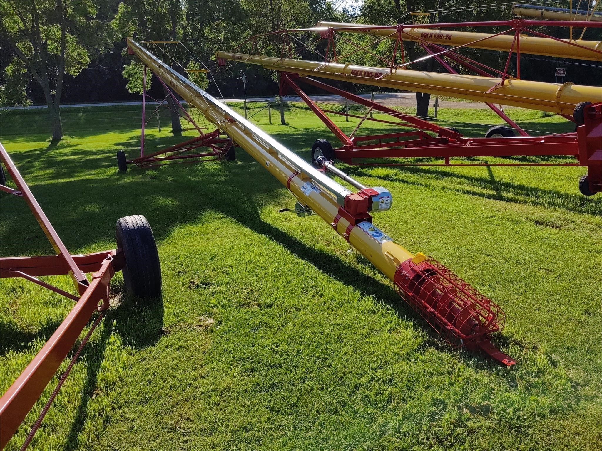 2019 Westfield WR100-71 Augers and Conveyor