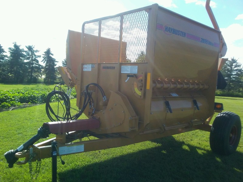 2010 Haybuster 2655 Grinders and Mixer