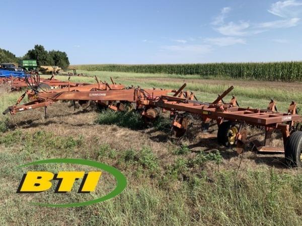 1994 Sunflower 3671-35 Chisel Plow