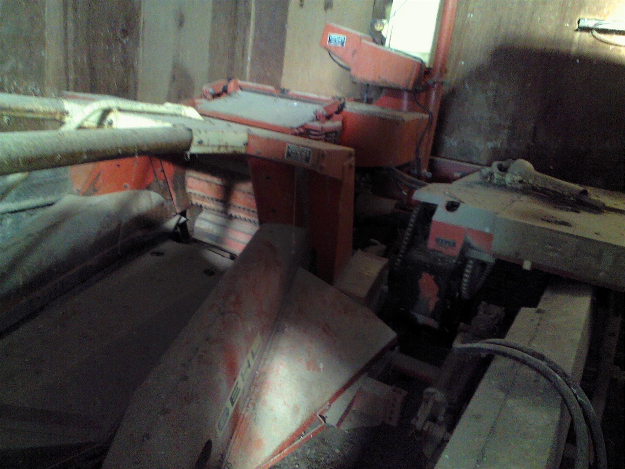 Gehl 750 Pull-Type Forage Harvester