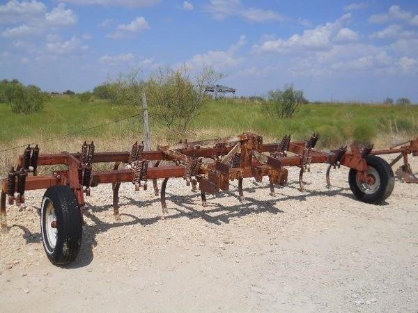 International Harvester 55 Chisel Plow