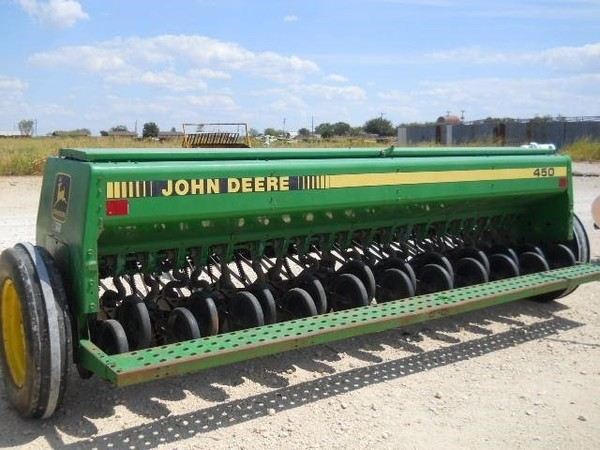 John Deere 450 Drill