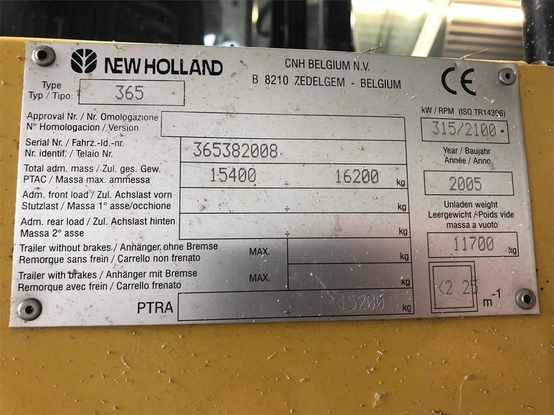 2005 New Holland FX40 Self-Propelled Forage Harvester