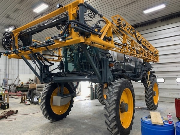 2013 Hagie STS16 Self-Propelled Sprayer