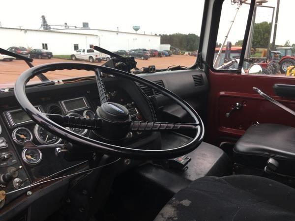 1995 Ford L9000 Semi Truck